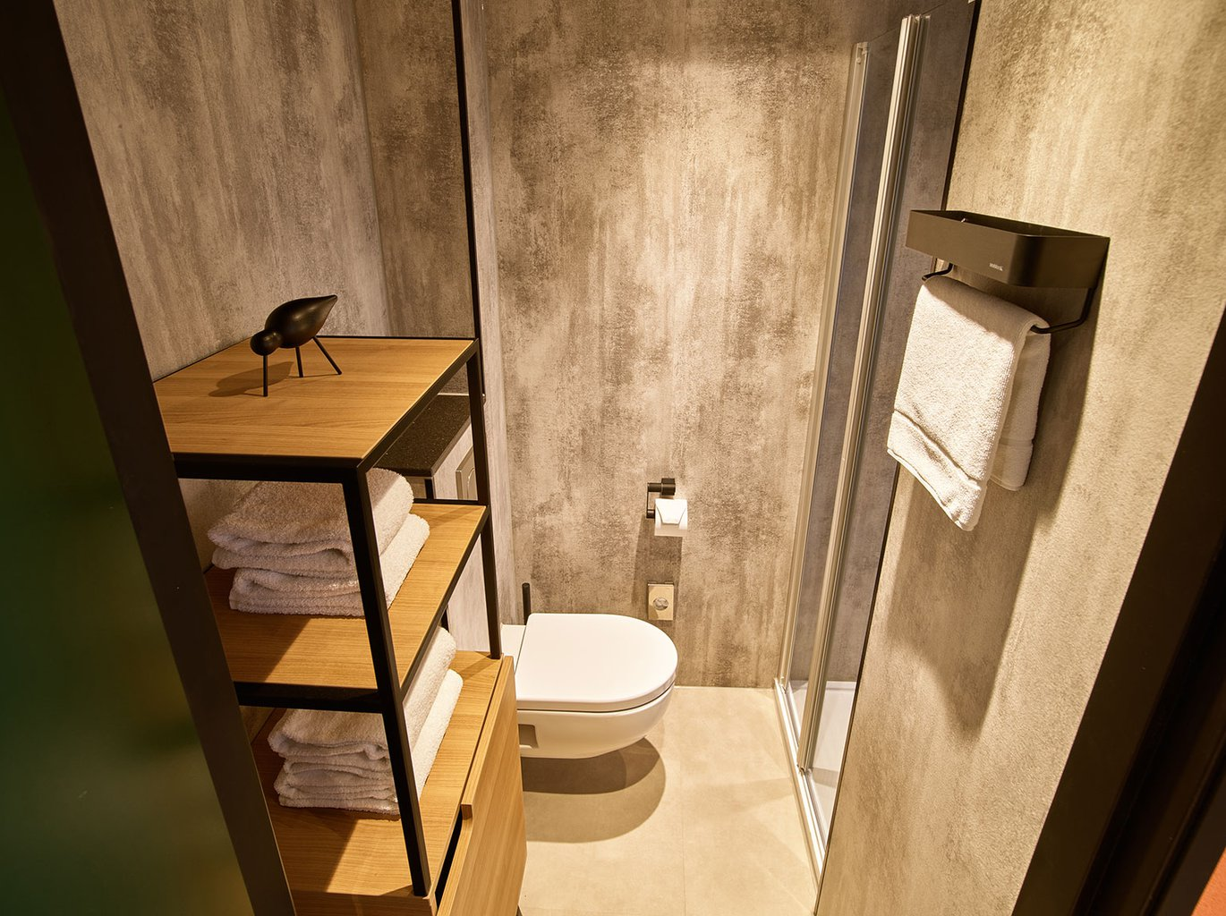 EH---THE-ED-HOTEL-AMSTERDAM---SMALL-DOUBLE---BADKAMER---2.jpg